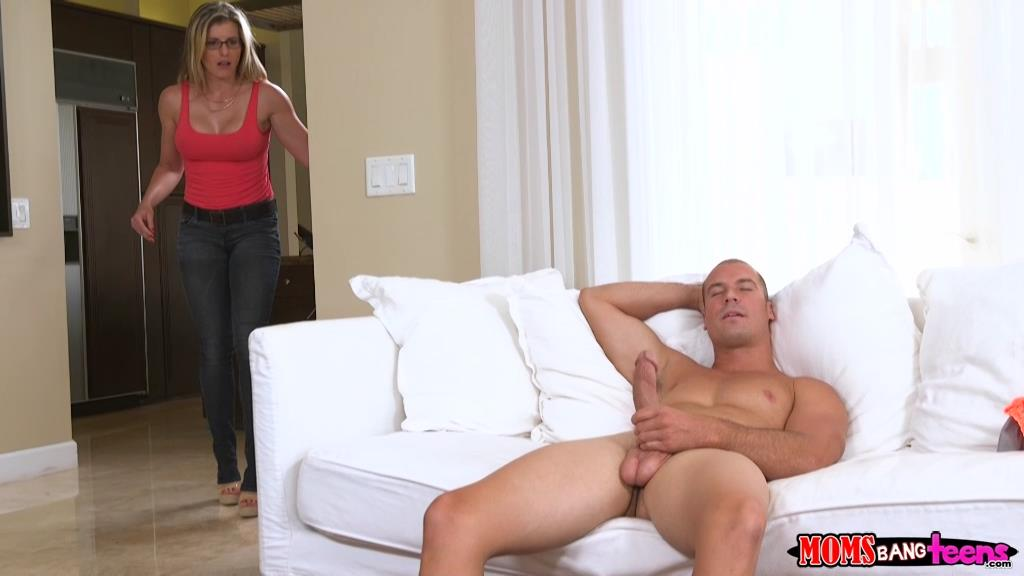 Naked step mom sofa sex videos